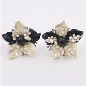 Mid Century Thermoset Flower Black White Earrings